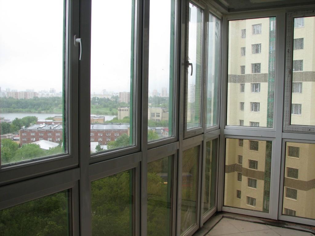Панорамное остекление балкона плюсы и минусы.