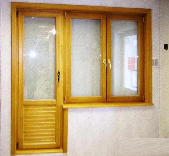 Купить коробку деревянную для балконной двери.