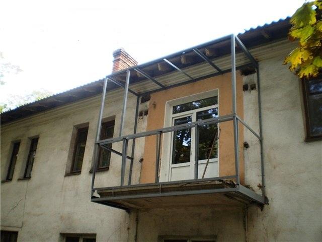 Остекление балконов в хрущевке: этапы работ.