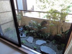 зеленый балкон